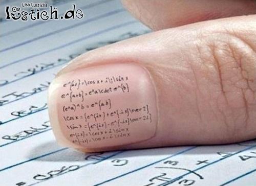 Spickzettel auf dem Finger