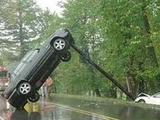 Auto aufgespießt