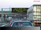 Anzeige Auf der Autobahn