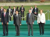 Merkel trotzt Schwerkraft