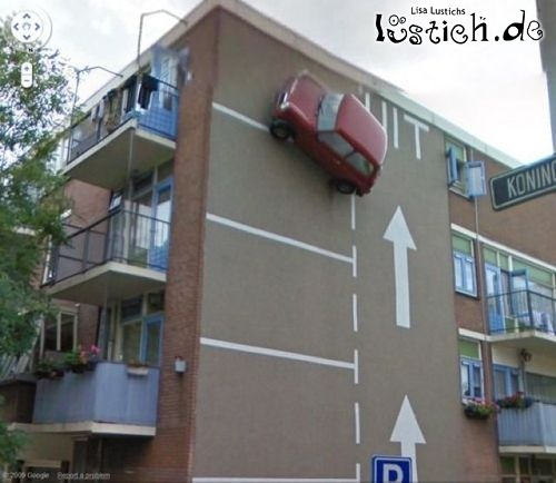 Parkplatz an Hauswand