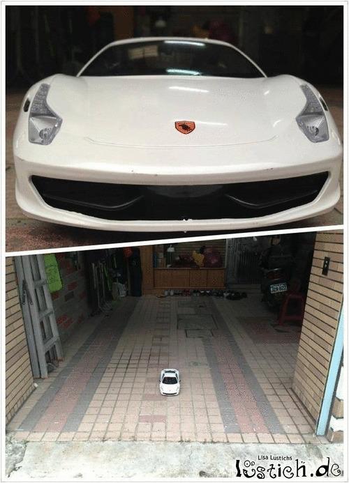 Ferrari in der Garage