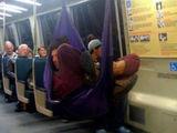 In der Bahn abhängen