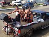 Poolparty am Straßenrand