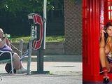 Frauen beim Telefonieren